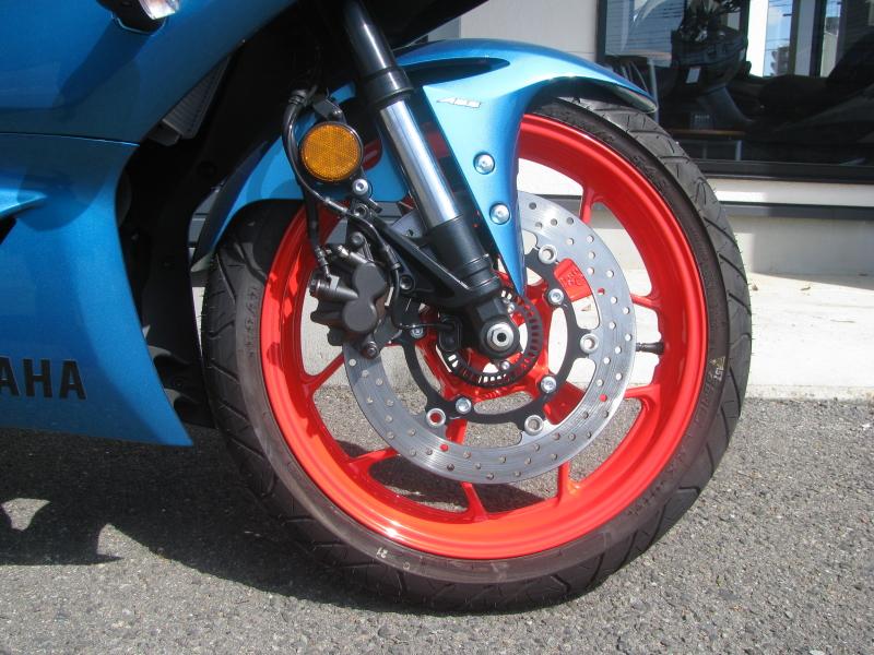 新車バイク ヤマハ YZF-R25ABS シアン/オレンジ フロントホイール