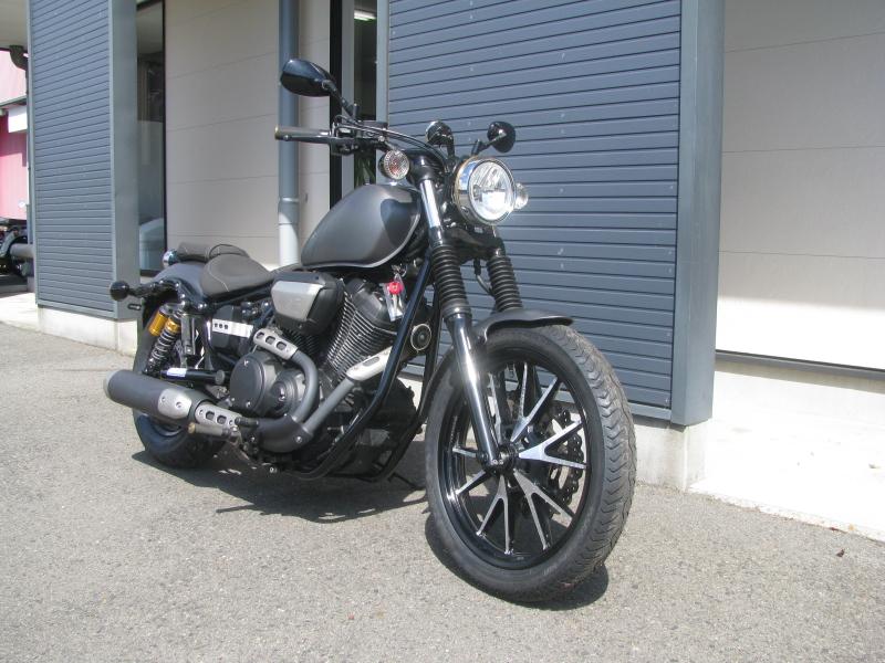 中古バイク ヤマハ BOLT-R(ボルト Rスペック)マットグレイ 右まえ側