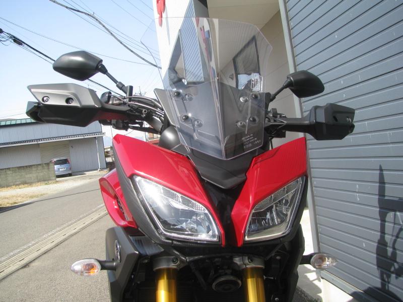 中古車 ヤマハ MT-09 TRACER ABS(トレーサーABS) レッド フロントカウルとLEDヘッドライト