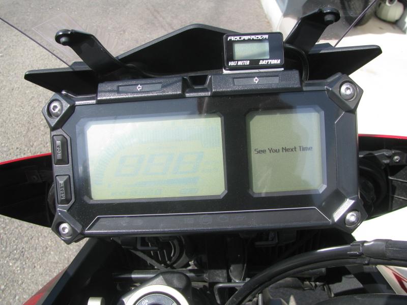 中古車 ヤマハ MT-09 TRACER ABS(トレーサーABS) レッド メーターパネル スイッチオフ