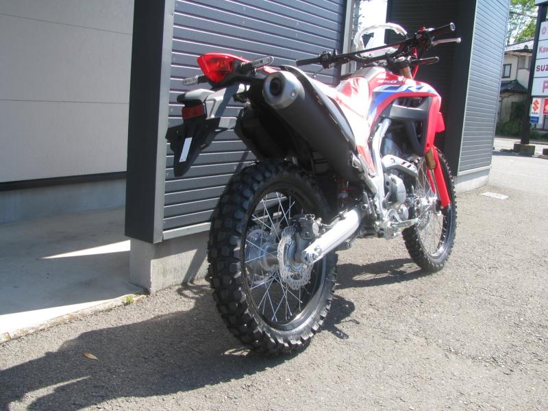 新車バイク ホンダ CRF250L レッド 2021年モデル 右うしろ側