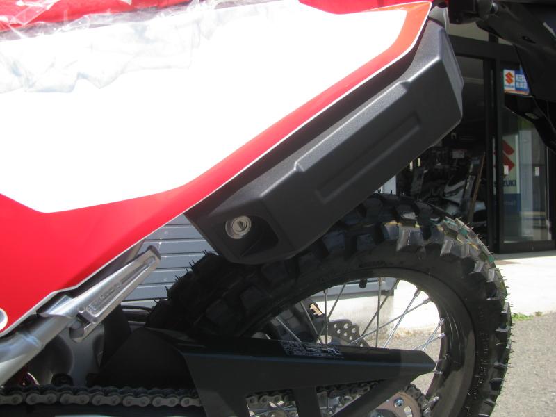 新車バイク ホンダ CRF250L レッド 2021年モデル ツールボックス