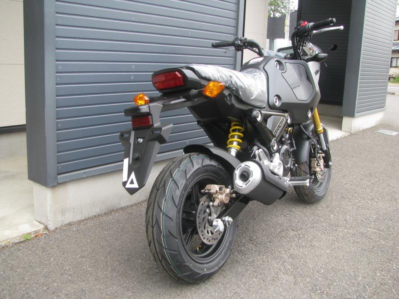 新車バイク ホンダ グロム ブラック 2021年モデル 右うしろ側