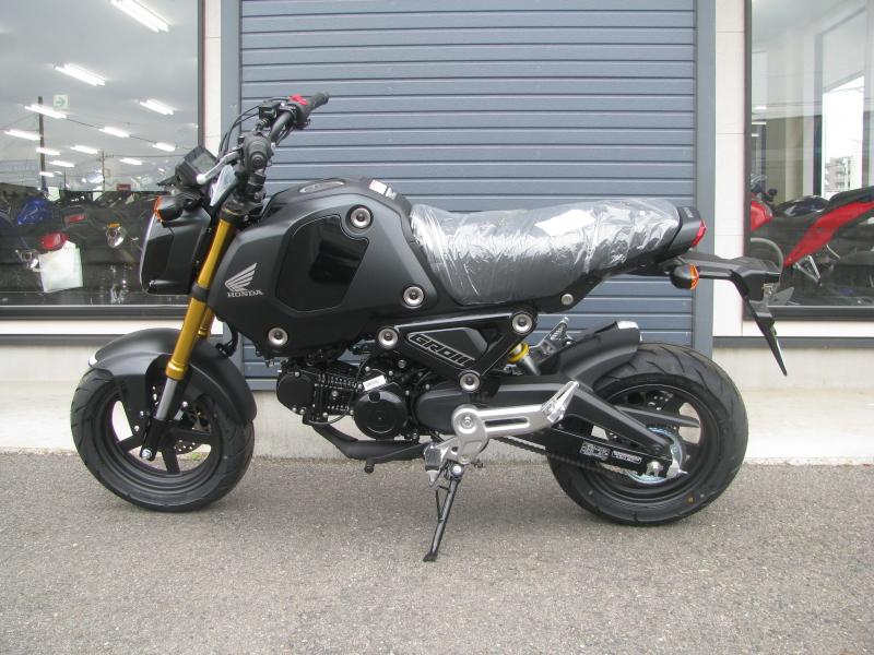 新車バイク ホンダ グロム ブラック 2021年モデル ひだり側