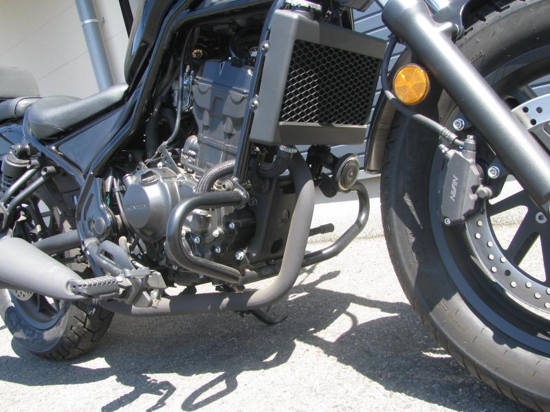 中古車バイク ホンダ レブル250(REBEL250) ブラック エンジンガード