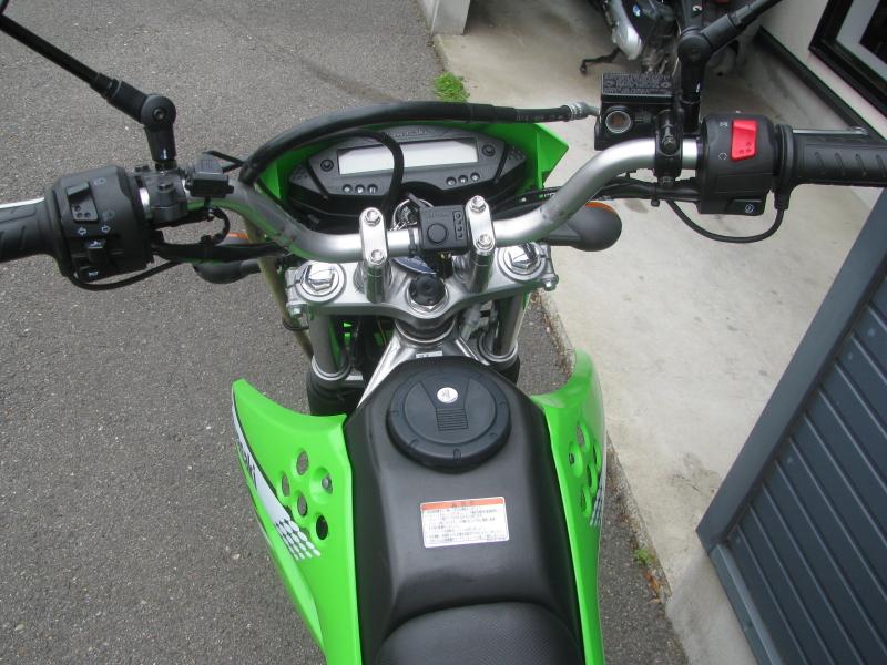 中古車バイク カワサキ KLX125 グリーン メーター周り