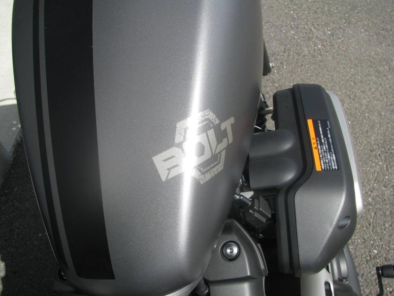 中古バイク ヤマハ BOLT-R (ボルト Rスペック) マットグレイ タンクロゴ2