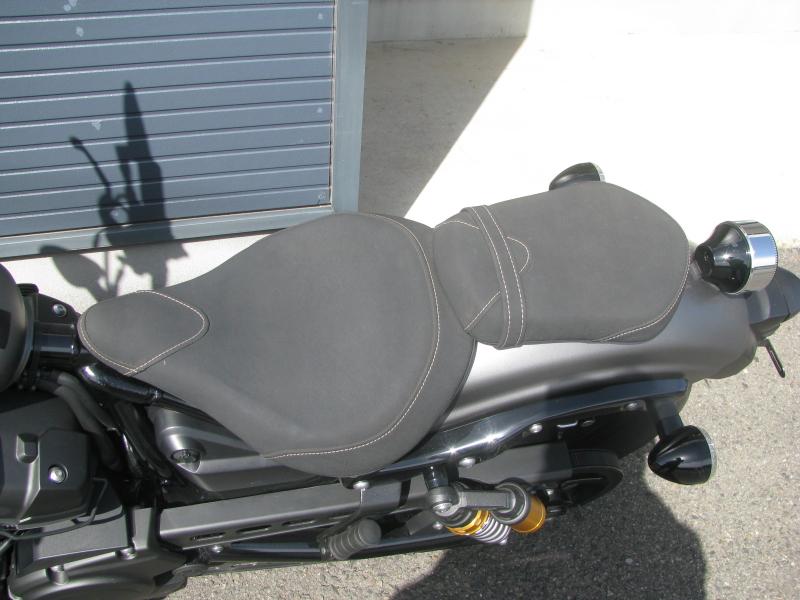 中古バイク ヤマハ BOLT-R (ボルト Rスペック) マットグレイ シート