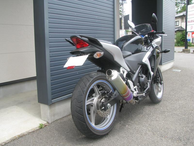 中古車バイク ホンダ CBR250R ブラック 右うしろ側