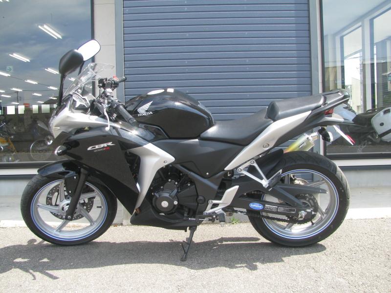 中古車バイク ホンダ CBR250R ブラック ひだり側