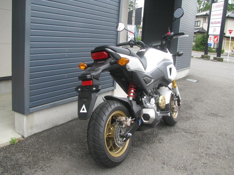 中古車バイク ホンダ グロム(GROM) ホワイト 右うしろ側