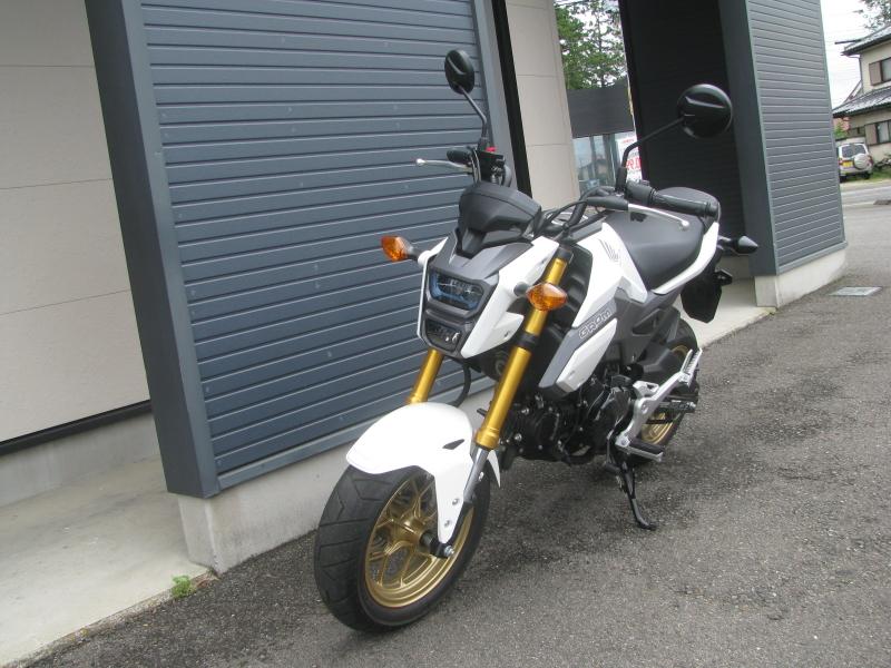 中古車バイク ホンダ グロム(GROM) ホワイト 左まえ側