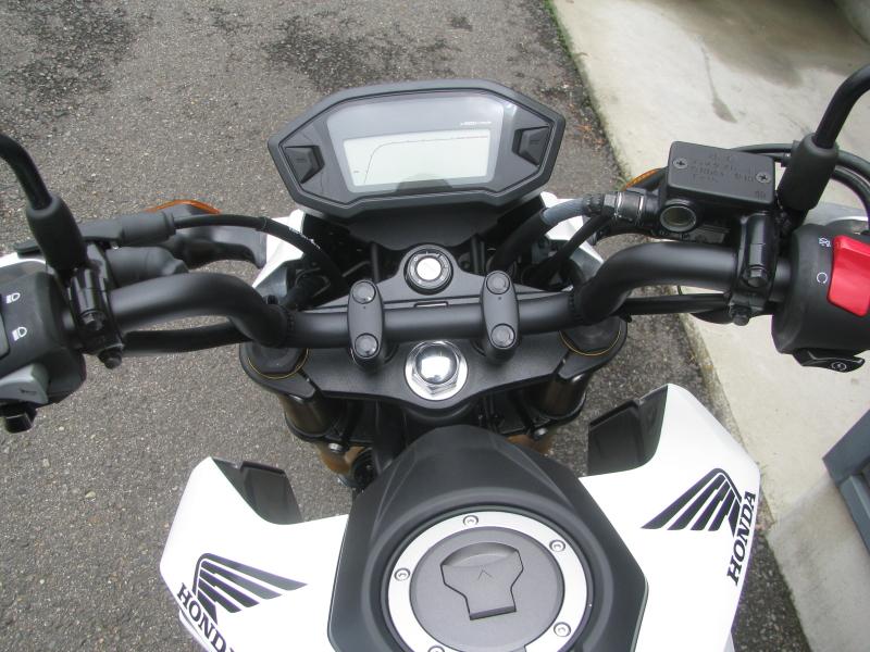 中古車バイク ホンダ グロム(GROM) ホワイト スピードメーターパネル