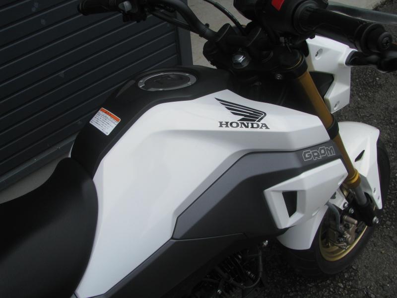 中古車バイク ホンダ グロム(GROM) ホワイト ガソリンタンク