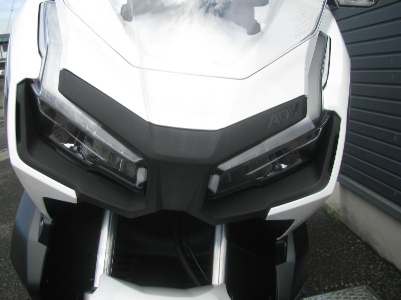 新車 ホンダ ADV150 ホワイト 受注期間限定車 LEDヘッドライト