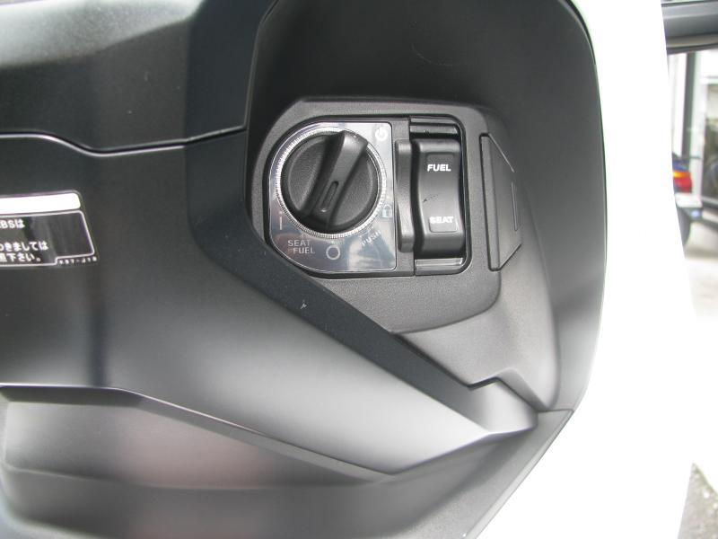 新車 ホンダ ADV150 ホワイト 受注期間限定車 メインスイッチ