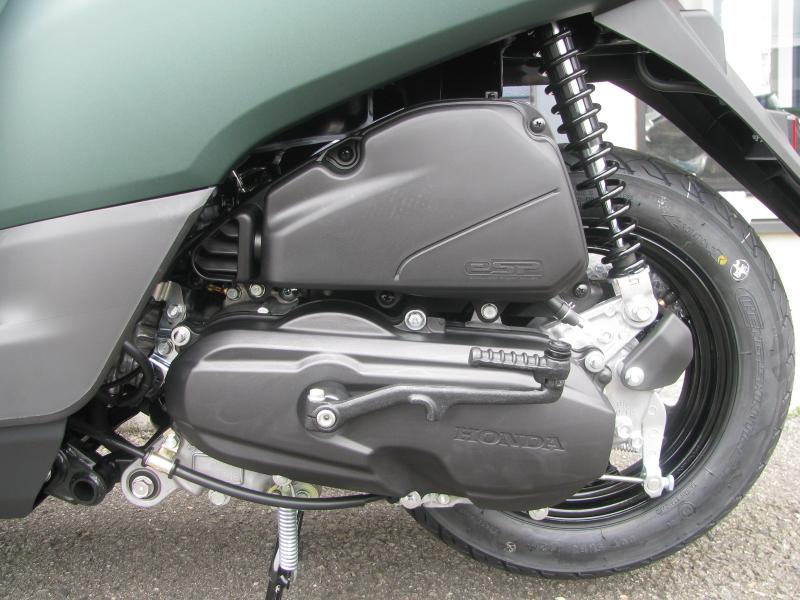 新車 ヤマハ JOG(ジョグ) マットグリーン エンジン