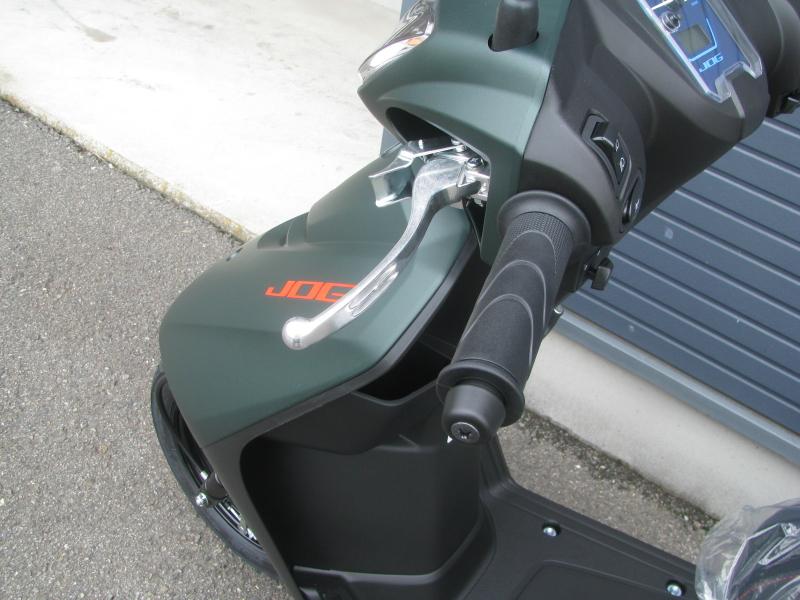 新車 ヤマハ JOG(ジョグ) マットグリーン 後輪ブレーキレバー