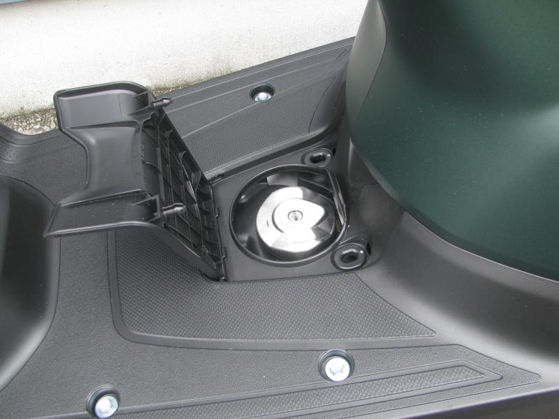 新車 ヤマハ JOG(ジョグ) マットグリーン ガソリンタンクキャップ