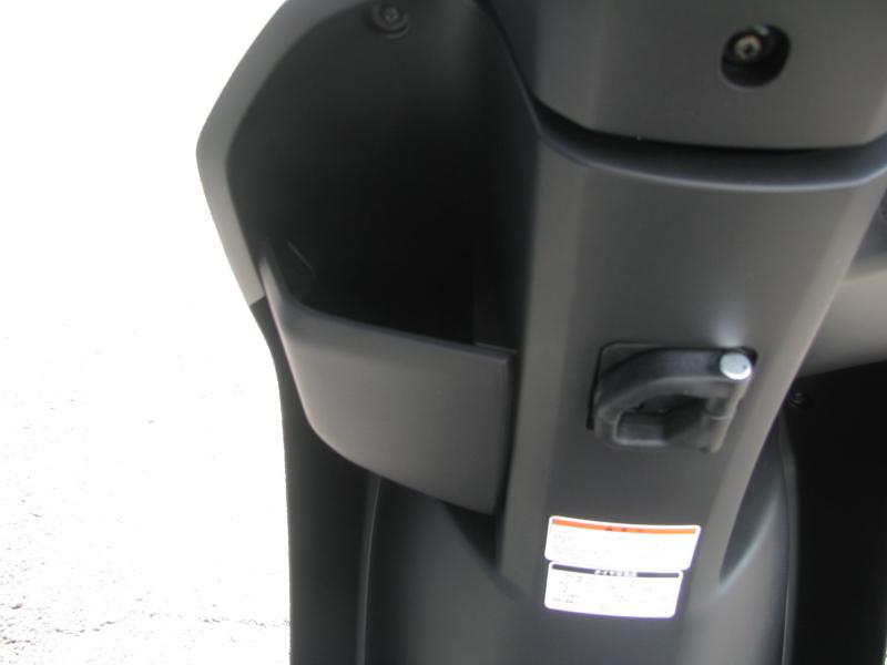 新車 ヤマハ ジョグ デラックス (JOG DX) マットブラック フロントポケット