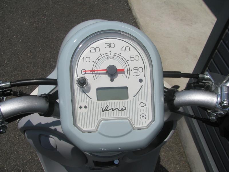 新車情報 ヤマハ ビーノ(Vino) ライトブルー スピードメーターパネル