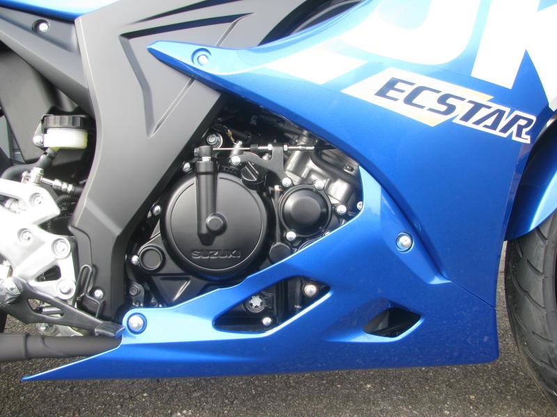 新車 スズキ GSX-R125 ABS ブルー エンジン