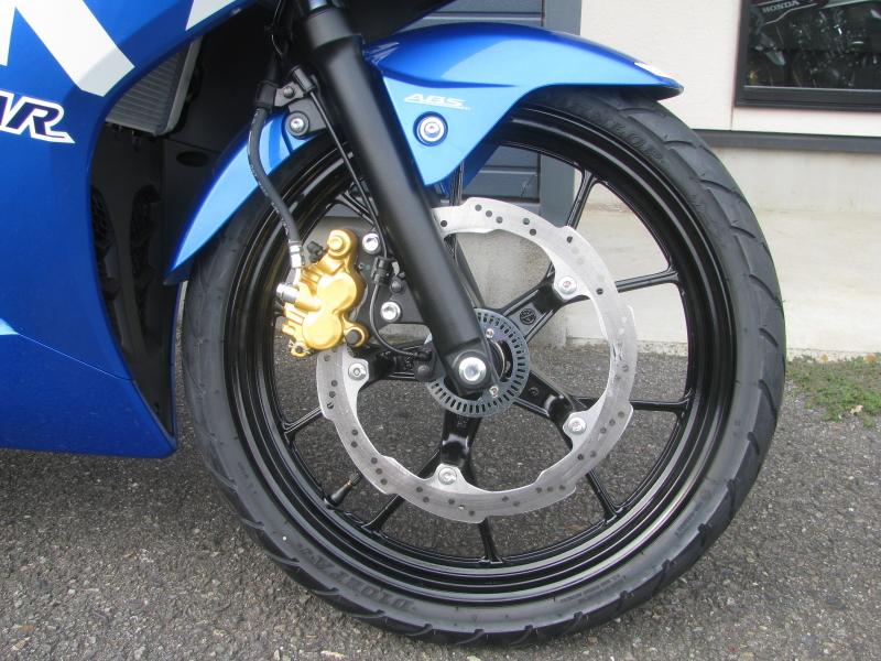 新車 スズキ GSX-R125 ABS ブルー フロントホイール